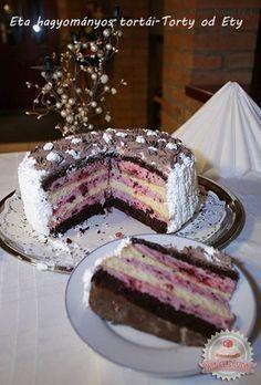 Túrós-joghurtos-tejszínes torta erdei gyümölcsökkel Hungarian Recipes, Blueberry Cheesecake, Cheesecakes, No Bake Cake, Fudge, Sweet Recipes, Food And Drink, Dessert Recipes, Favorite Recipes