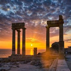 Acropolis of Lindos, Rhodes, Greece Ancient Ruins, Ancient Greece, Greek Island Tours, Greece Rhodes, Greek Isles, Greece Islands, Travel Goals, Greece Travel, Athens