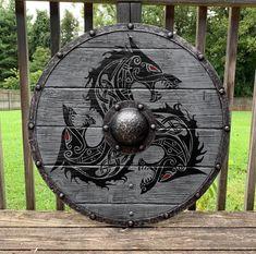 Rollo Battleworn Authentic Viking Shield Bouclier viking authentique de Rollo Battleworn Authentic Viking Shield of Rollo Battleworn Fenrir Tattoo, Norse Tattoo, Viking Tattoos, Armor Tattoo, Warrior Tattoos, Shield Tattoo, Wiccan Tattoos, Inca Tattoo, Escudo Viking