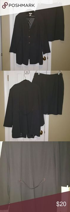 """Decade Designs Dark Gray Suit A nice two piece business suit with a long overcoat (36"""" L) and skirt (26"""" L) with a modest split in the back. Both are fully lined. 100% polyester   Bundle and save more! Decade Designs Skirts Skirt Sets"""