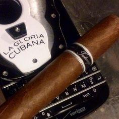 #inst10 #ReGram @horse_shoes_n_grenades: #cigar #cigars #cigaraficionado #cigarbid #cigarlife #jrcigars #famoussmokeshop #dominicanrepublic #cubancigar #cuban #cuba #honduras #nicaragua #tatuaje #lagloriacubana #colibri #smoke #tobacco #blackberry #BlackBerryClubs #BBer #BlackBerryPhotos #BlackBerryQ10 #Q10