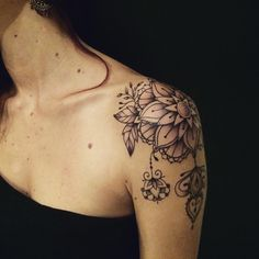 Discover ideas about nape tattoo Trendy Tattoos, Cute Tattoos, Flower Tattoos, Black Tattoos, Body Art Tattoos, Sleeve Tattoos, Forearm Tattoos, Vintage Blume Tattoo, Vintage Flower Tattoo