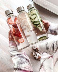 Infused Water Recipes, Fruit Infused Water, Infused Water Bottle, Water With Fruit, Water Infusion Recipes, Infusion Bottle, Fruit Water Recipes, Bottled Water, Cute Water Bottles