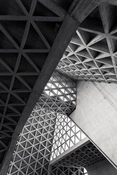 Triangle architectural structure