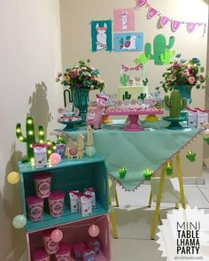 La imagen puede contener: tabla e interior Llama Birthday, 1st Birthday Girls, Birthday Ideas, Fiesta Theme Party, Party Themes, Diy Party, Party Gifts, Mexico Party, Baby Event