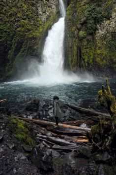 The Columbia River Gorge in Photos #Oregon #traveloregon @Travel Oregon Wahclella Falls @Nau