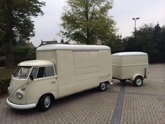 Volkswagen Type 2 splitie with a Kemperink body and early Westfalia Anhaenger trailer   | volkswouter.nl