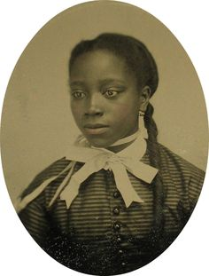 Antique Victorian photo of a lovely teenage girl, 1870s.