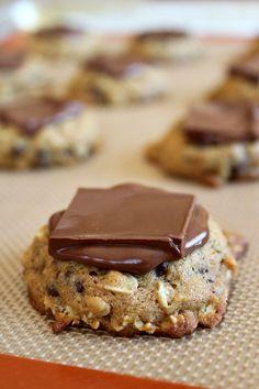 Pumpkin oatmeal #chocolate candy bar cookies recipe by @RecipeGirl {recipegirl.com}