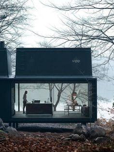 Le Shelter Vip est un objet industriel habitable de 55 m²…