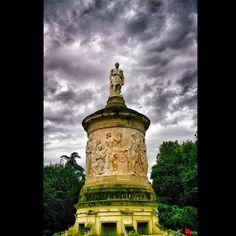 Monumento a Julián Gayarre en el parque de la Taconera de Pamplona (Vía @wanbo37)