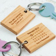 Never forget that special date with this personalised wood keyring. A wonderful way to commemorate an unforgettable day.