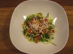 Courgettini met vegetarische saus Grains, Rice, Pasta, Dinner, Food Ideas, Suppers, Noodles, Jim Rice, Ranch Pasta