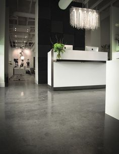 Google Image Result for http://www.salonmagazine.ca/images/stories/2012/04_April/april_16th_3rd_week/12_04_capelli_salon_interior_3.jpg