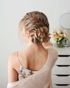 These curly easy hairstyles truly are fabulous Face Shape Hairstyles, Easy Hairstyles For Long Hair, Braids For Long Hair, Weave Hairstyles, Girl Hairstyles, Hairstyles 2018, Trendy Hairstyles, Wedding Hairstyles, Stylish Hair