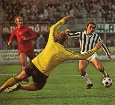 Juventus 1 Ajax 0 in Nov 1974 in Turin. Oscar Damiani scores the only goal in the UEFA Cup Quarter Final, 1st Leg.