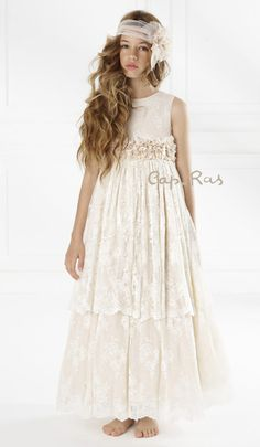 Dresses for girls. Dresses for girls. Frocks For Girls, Little Girl Dresses, Girls Dresses, Little Girl Fashion, Fashion Kids, Communion Solennelle, Paisley Wedding, Flower Girls, Flower Girl Dresses