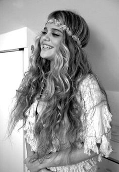 Cute Long Curly Hairstyle » Homecoming Hairstyles