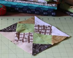 {Tutorial Thursday: Quilt block a month : a 2012 goal} - Smitha Katti Quilt Block Patterns, Pattern Blocks, Quilt Blocks, Quilting Projects, Sewing Projects, Block Of The Month, Homemade Cards, Fabric Crafts, Quilts