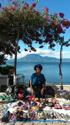 Doña Catarina, Lago de Atitlan Guatemala.Foto de Erika Rivera.