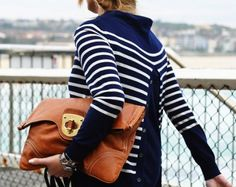There is something about stripes that I just cant get enough of! And I love that clutch