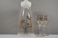 PYREX DECANTER SET-Vintage Pitcher & Champagne Flutes-Gold Leaf Glassware-Wedding Toast-Entertaining-Cocktails-Party-Celebration-Affordable on Etsy, $33.00