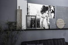 Heb jij ook een muur in huis die een make-over kan gebruiken? Plaats een wandplank! Deze zijn namelijk niet alleen erg handig voor opbergruimte. Je kunt ze ook erg mooi stylen met decoratieve of functionele accessoires.