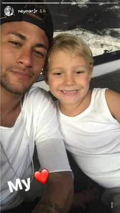 Neymar Jr y Davi Lucca Neymar Pic, Messi And Neymar, Psg, Love You Babe, Best Player, Girls Dream, Fc Barcelona, Cristiano Ronaldo, Football Players