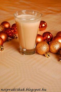 Karácsonykor nem hiányozhat az asztalról a kedvenc krémlikőrünk. Évekkel ezelőtt bukkantam erre a receptre, ami nem igényel komolyabb kony... Cocktail Drinks, Cocktails, Baileys Irish Cream, Gourmet Gifts, Glass Of Milk, Smoothie, Panna Cotta, Beverages, Food And Drink