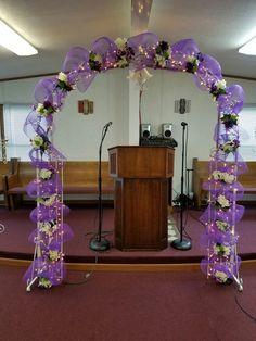 Deco mesh wedding arch