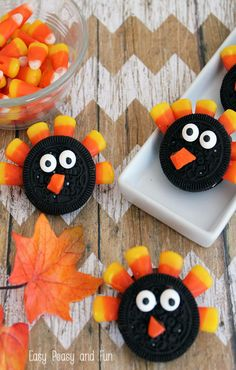 Simple Oreo Turkey Cookies - Easy Peasy and Fun