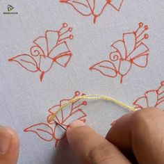 hand embroidery all over design for dress - Herzlich willkommen Hand Embroidery Patterns Free, Hand Embroidery Videos, Embroidery Stitches Tutorial, Hand Embroidery Flowers, Flower Embroidery Designs, Crewel Embroidery, Embroidery Techniques, Vintage Embroidery, Beginner Embroidery