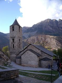 Sant Joan de Boí - Catalan Romanesque Churches of the Vall de Boí, Catalonia (UNESCO World Heritage Site)