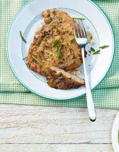 Rien d'autre que de la panure pure ne saurait convenir pour une escalope viennoise authentique. Affranchis-toi de la tradition et autorise-toi un peu de créativité! Nous affinons volontiers nos panures avec quelques herbes. Wiener Schnitzel, Valeur Nutritive, Kraut, Steak, Pork, Nutrition, Chicken, Authentique, Cooking