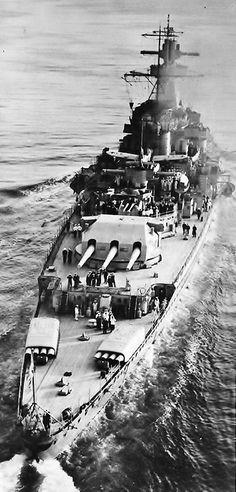 German cruiser Admiral Graf Spee of the Nazi Kriegsmarine in the sea. Admiral Graf Spee is the German cruiser of third and most perfect German heavy cruiser of the type Deutschland of the Second World War. Naval History, Military History, Heavy Cruiser, Big Guns, Navy Ships, Aircraft Carrier, Water Crafts, Battleship, Yachts