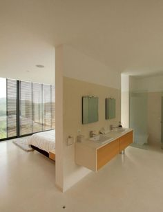 55 Awesome Open Bathroom Concept For Master Bedrooms Decor Ideas Open Plan Bathrooms, Open Bathroom, Master Bedroom Bathroom, Bathroom Layout, Master Bedrooms, Bath Room, Master Bedroom Plans, Attic Bathroom, Bathroom Wall