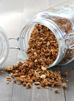 Granola that your kids (and their friends) will be asking for - Maple Granola with Coconut and Cinnamon via @livlife