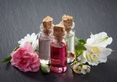 How to Use Essential Oils to Combat Aging