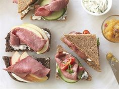 Cutest roast beef tea sandwiches for lunch! Easy to make, packed with protein, and fun for the entire family to make. Roast Beef Tea Sandwiches, Tee Sandwiches, Beef Sandwich, Sandwiches For Lunch, Salmon Sandwich, Finger Sandwiches, Veal Recipes, Protein, Challenge
