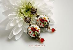 Snow White. Beautiful handmade polymer clay by EvaThissen on Etsy