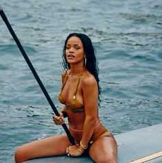 These Rihanna pictures are her hottest photos ever. We found sexy Rihanna images, GIFs, and wallpapers from various bikini and/or lingerie photo shoots. Bikini Pictures, Bikini Photos, Insta Pictures, Beach Pictures, One Piece Swimwear, Bikini Swimwear, Swimsuit, Sexy Bikini, Bikini Girls