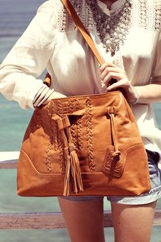 Show off the details with this gorgeous Dreamcatcher tote in Dark Tan