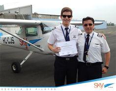 Felicitaciones Carlos Barrezueta ! tu primer vuelo solo es uno de los pasos importantes en la carrera,  sigue así !!