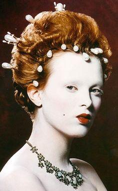 Karen Elson as Queen Elizabeth I by Kevyn Aucoin