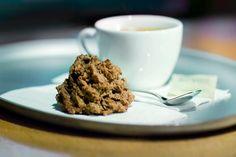 Kokosmakronen und Sojacappuccinos gehören zu den guten Dingen des Lebens.  Mehr von tibits gibts auf: - https://www.facebook.com/tibits.ch - https://twitter.com/tibitsCH  Wir freuen uns auf euren Besuch! :D