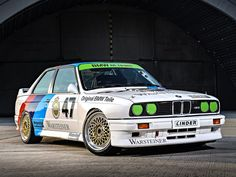 BMW M3 DTM 1987-1993 vue AV - photo BMW
