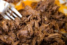 Recipe: shredded beef tacos That phrase is the first sentence I learned in Spanish way back in high school, from a bunch of friends who took Spanish. Clean Eating Diet, Healthy Eating, Beef Recipes, Beef Meals, Yummy Recipes, Shredded Beef Tacos, Good Food, Yummy Food, Yummy Eats