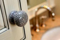 Crackle finish door knob
