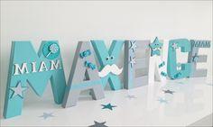 Jolie lettre prénom personnalisée thème bonbons sucettes et friandises coloris turquoise blanc et gris SUR COMMANDE, lettre : Décoration pour enfants par la-fabrik-de-mina-leelo