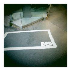 21 juillet 2012 / Paris / Au croisement de l'Avenue de le République et de la Rue de Malte (à coté de la cabine téléphonique) http://www.openstreetmap.org/?lat=48.866942=2.366641=18=M